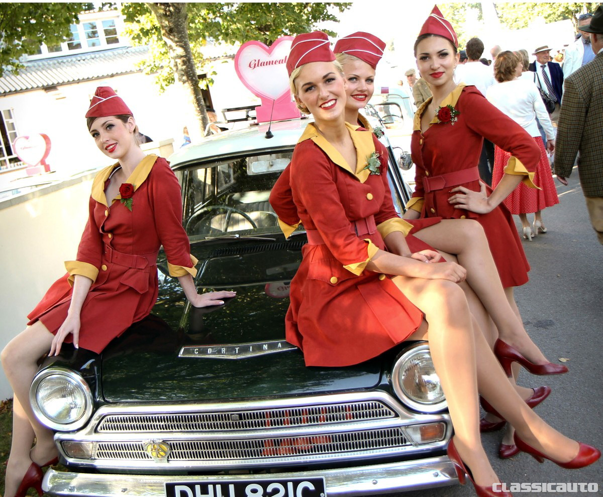 Glam Cab Girls at the Revival credit Adam Beresford